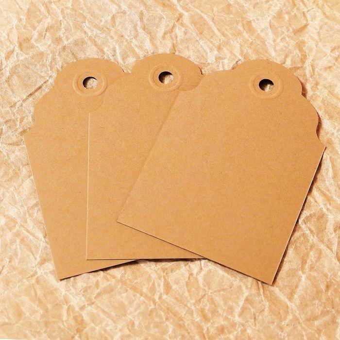 hnědé papírové visačky
