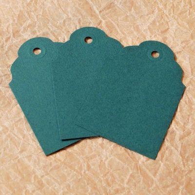 zelené papírové visačky