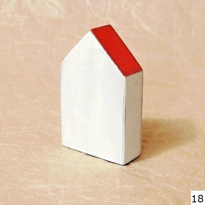 dekorace dřevěný domeček bílý