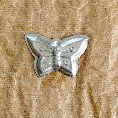 vintage formička na cukroví motýl