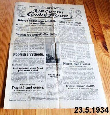 staré předválečné noviny