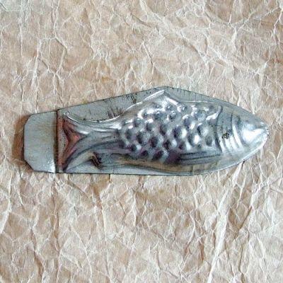 stará formička na cukroví ryba