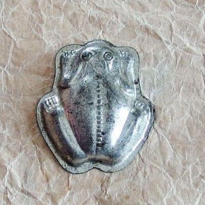 vintage formička žabka